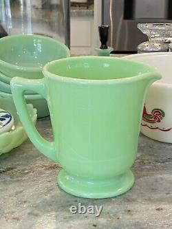 McKee Jadeite Skokie Green Glass Handled 4 Cup Measuring Pitcher 1930's