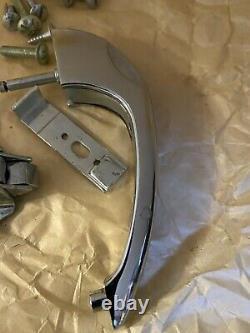 12 Vtg Chrome & Black Trim Armoire Poignées De Porte Latch Catch Push Button Art Déco