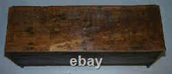 18ème Siècle Circa 1720 Solid Oak Six Plank Coffer Trunk Chest Thick Iron Handle