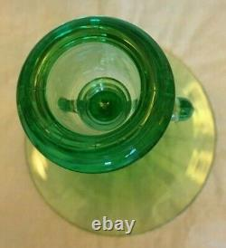 Lovely Rare Heisey Swan Green Moongleam Double Manche Candle Holder 61/2 T