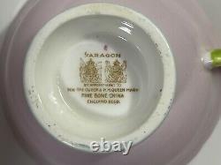 Rare Vintage Paragon Rose Rose Poignée Bone Chine Footed Tea Cup Reine Mary