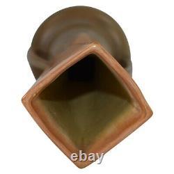 Roseville Pottery Futura Tan Manipulé Arches Vase 411-14