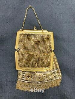 Vintage Gold Colored Mesh Whiting & Davis Co Coin Sac De Purse Avec Poignée