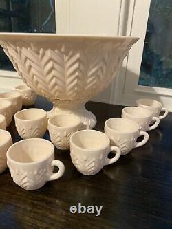 Vtg Antique Jeannette Pink Milk Glass Punch Bowl Set Pedestal & 12 Tasses Manipulées