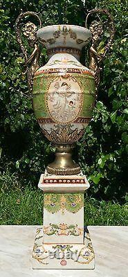 Wong Lee Olive Vert Art Déco Porcelaine & Vase À Poignée De Chérubin De Bronze